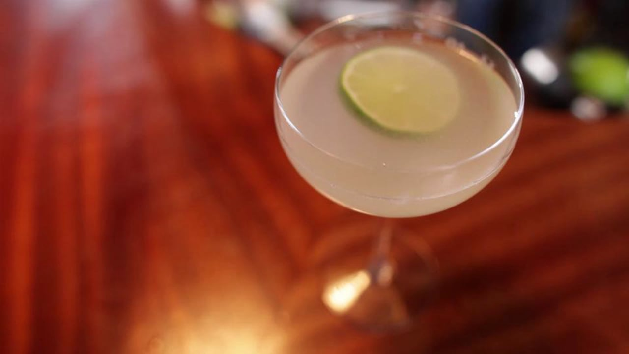 LIQUOR.COM: How to Cocktail – Gimlet