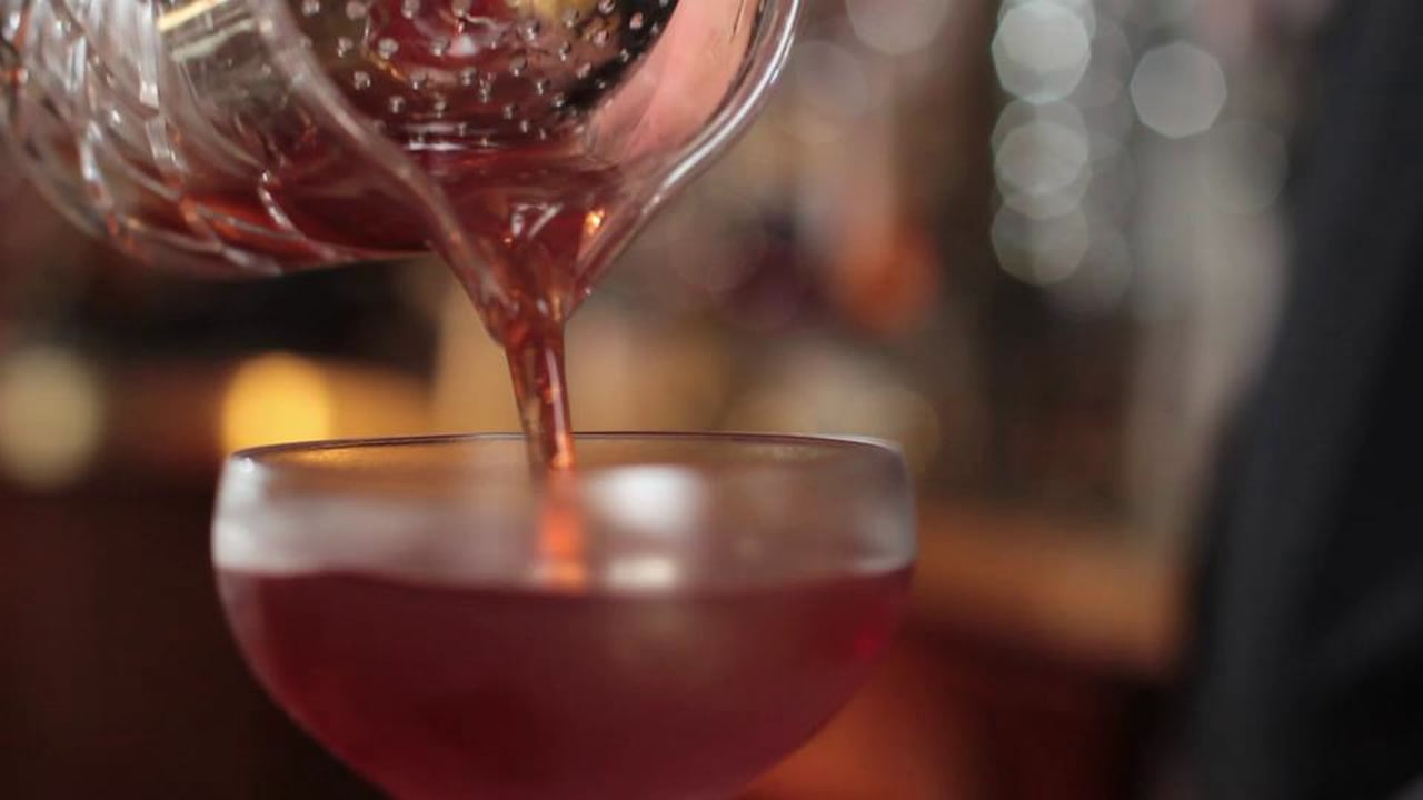 LIQUOR.COM: How to Cocktail – Manhattan