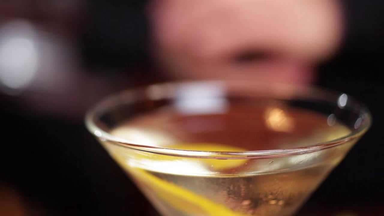 LIQUOR.COM: How to Cocktail – Martini
