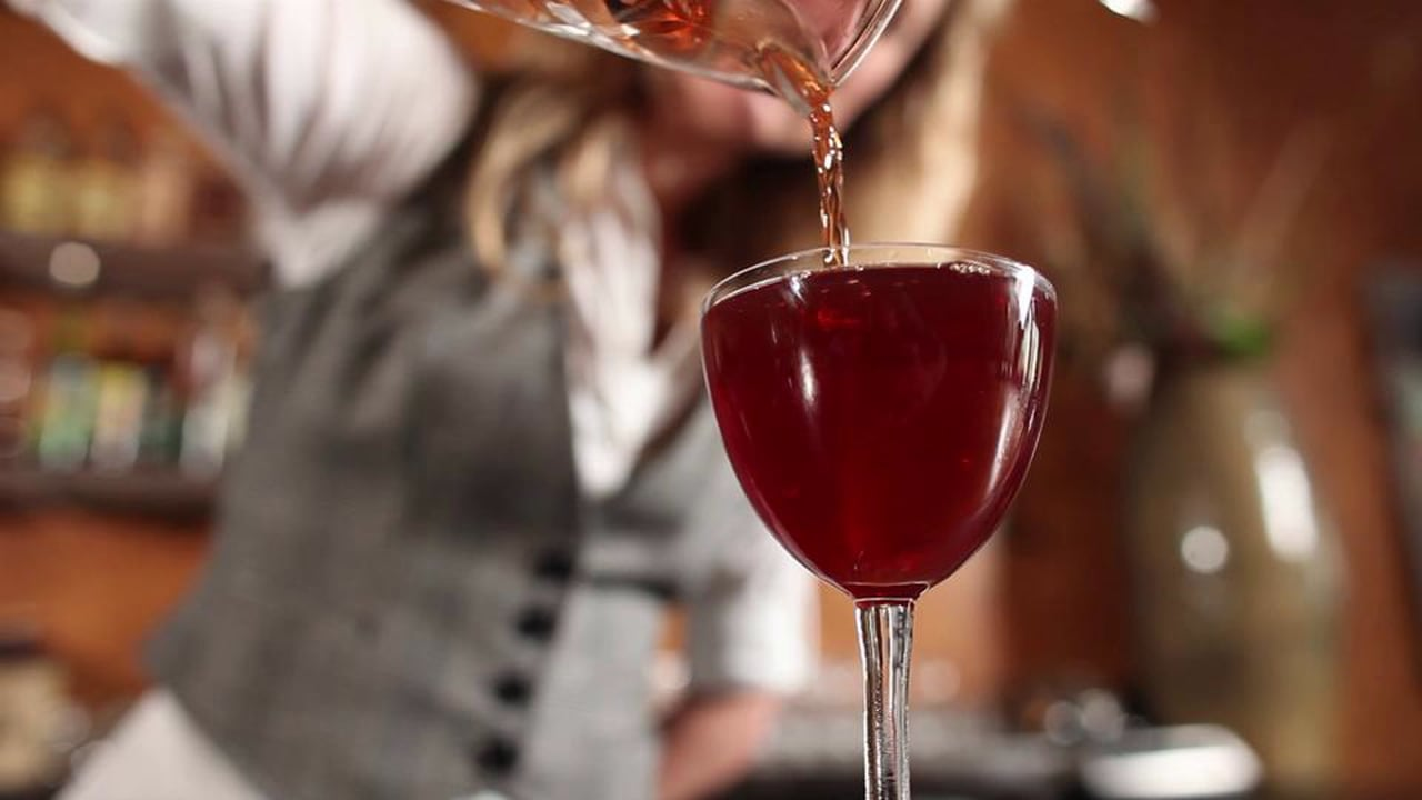 LIQUOR.COM: How to Cocktail – Rob Roy
