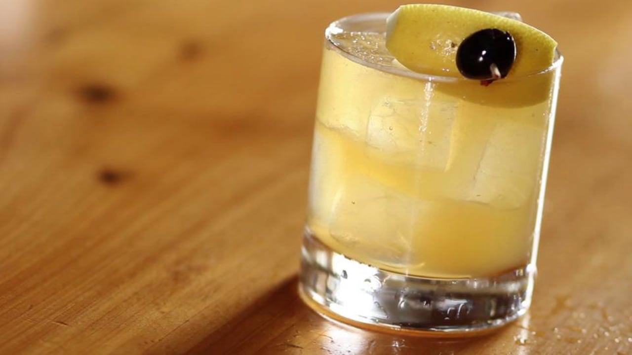 LIQUOR.COM: How to Cocktail – Whiskey Sour